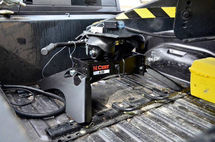 5th Wheel Hitch Installed in Truck Bed