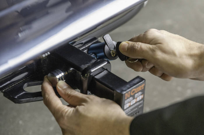 How to Lock a Trailer Hitch
