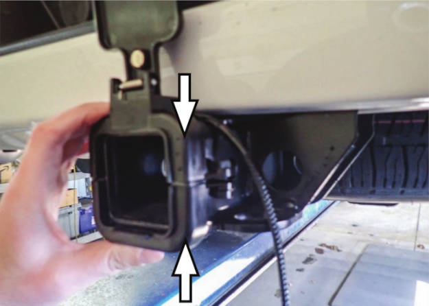 Multipro Tailgate Hitch Cap Assembly
