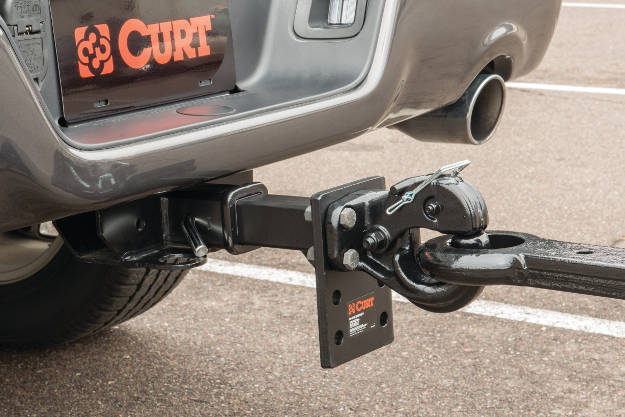 Pintle Towing Connection