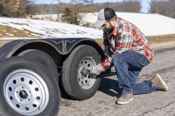 Tighten Trailer Lug Nuts