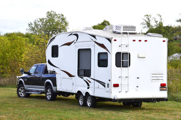 Truck Towing 5th Wheel RV